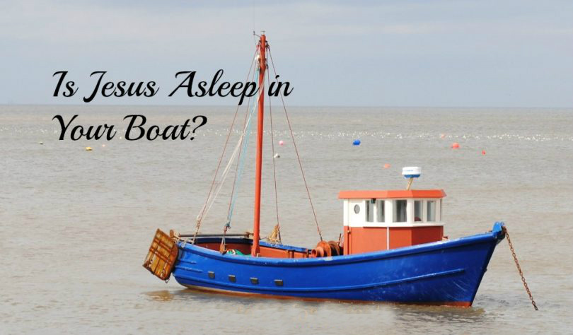 Jesus-asleep-in-the-boat-810x474